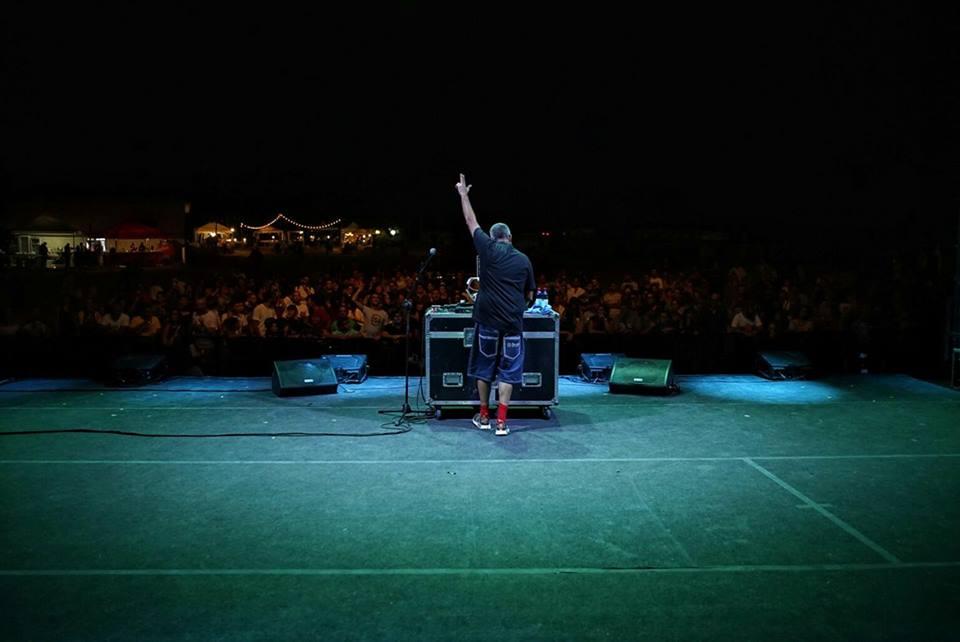 Frankie hi-nrg mc sul palco del Cinzella Festival
