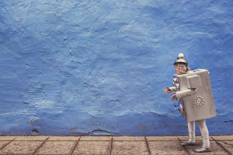 sito web inaccessibile - uomo di latta su sfondo azzurro